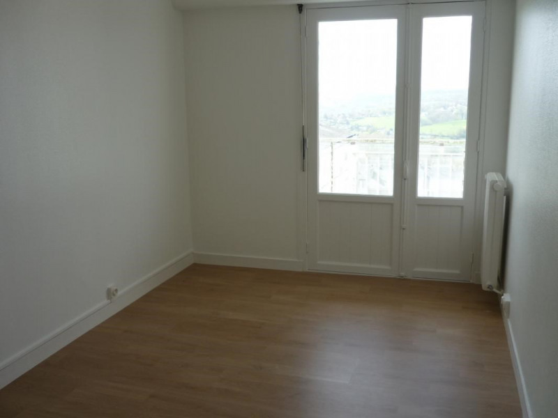 Rental apartment Lisieux 669€ CC - Picture 3