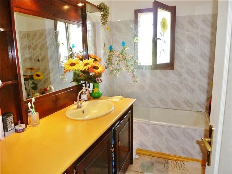 Sale house / villa Bourgoin-jallieu 230000€ - Picture 4