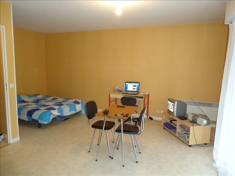 Rental apartment Lisieux 370€ CC - Picture 2