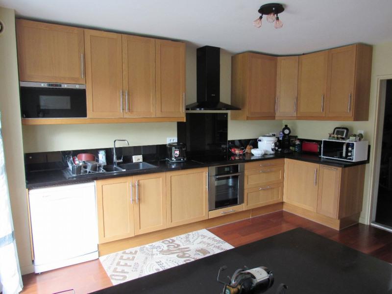 Sale house / villa Lesigny 406000€ - Picture 3