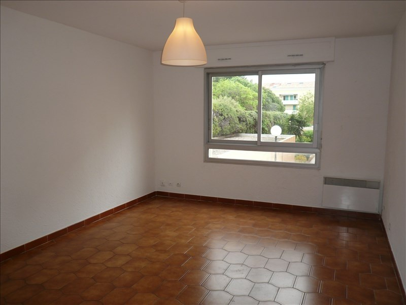 Location appartement Sanary sur mer 665€ CC - Photo 1