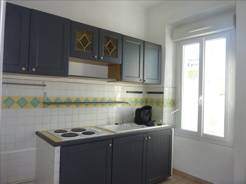Location appartement Marseille 7ème 690€ CC - Photo 3