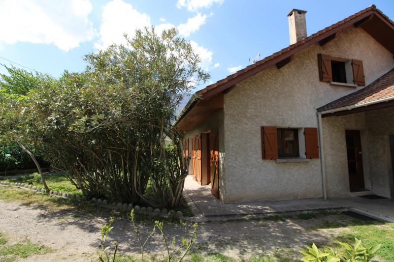 Sale house / villa Claix 338000€ - Picture 2