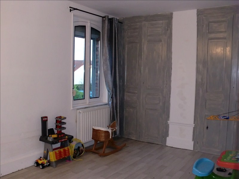 Vente maison / villa Chauny 105500€ - Photo 5