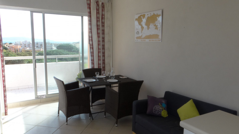 Location vacances appartement Cavalaire 750€ - Photo 3