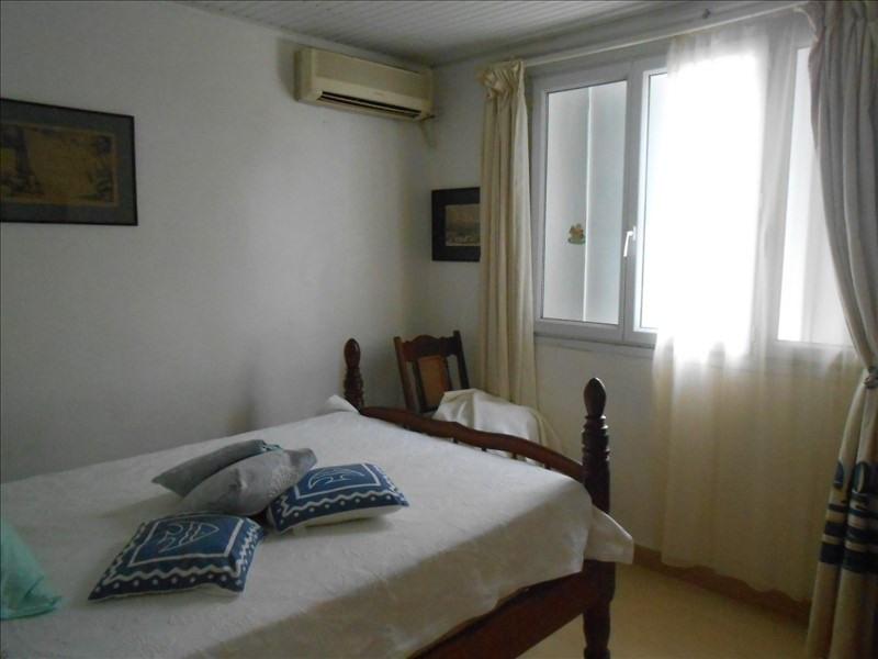 Sale house / villa St claude 285000€ - Picture 6