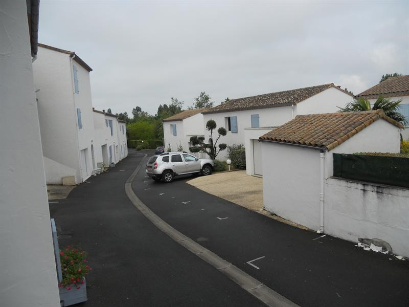 Vacation rental house / villa Vaux sur mer 824€ - Picture 18