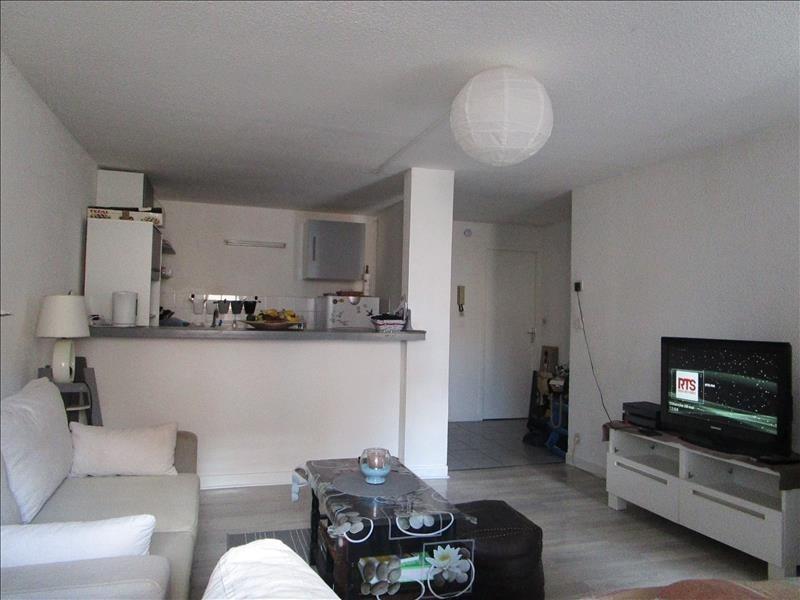 Rental apartment Voiron 508€ CC - Picture 2