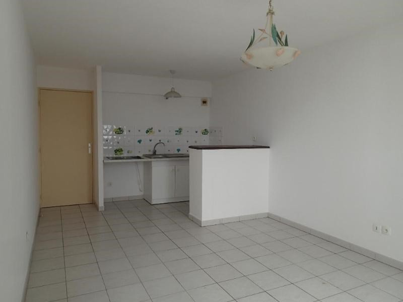 Rental apartment Fort de france 618€ CC - Picture 1