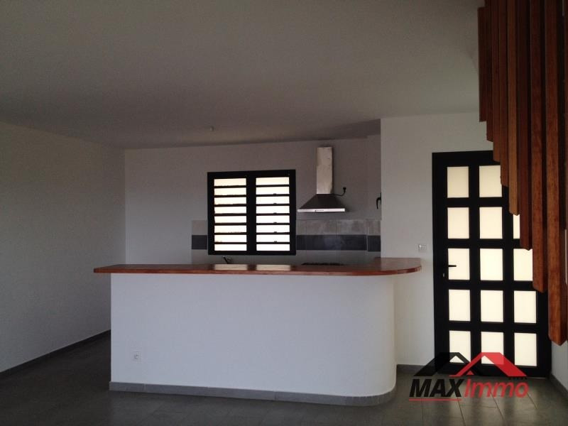 Location maison / villa St pierre 1 180€ CC - Photo 2