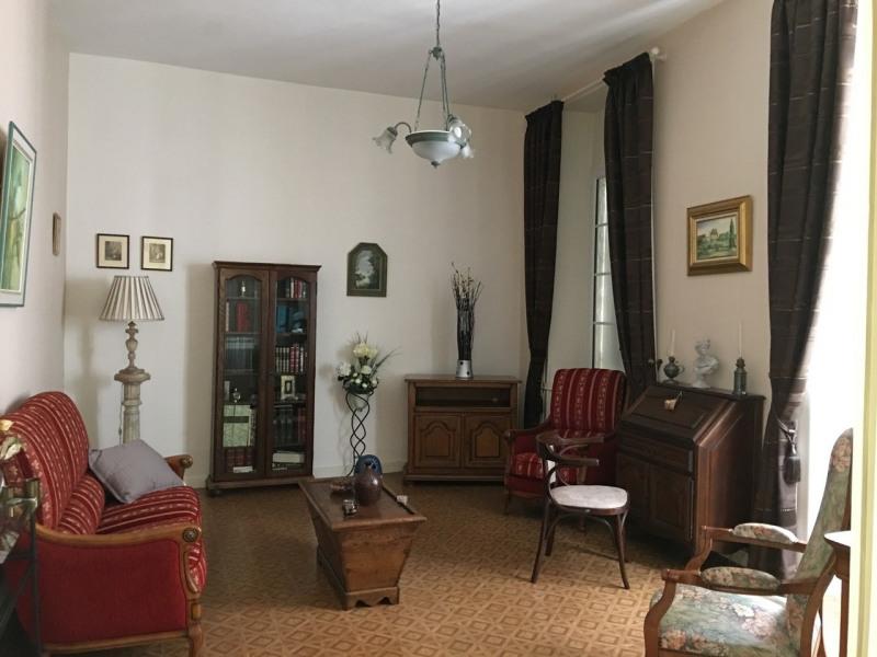 Location maison / villa Barbezieux-saint-hilaire 750€ CC - Photo 3