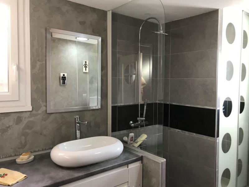 Deluxe sale house / villa Carqueiranne 572000€ - Picture 2