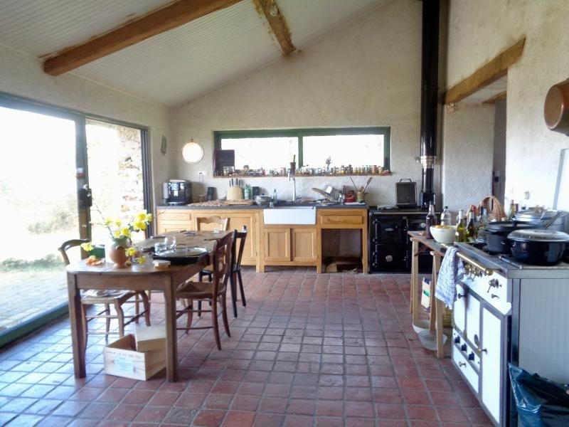 Sale house / villa L isle jourdain 199000€ - Picture 4