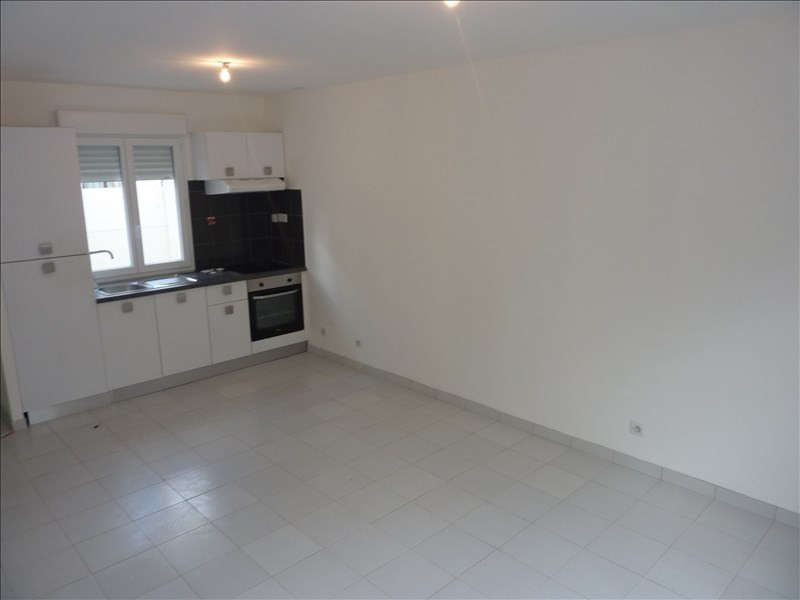 Location maison / villa Claye souilly 900€ CC - Photo 2