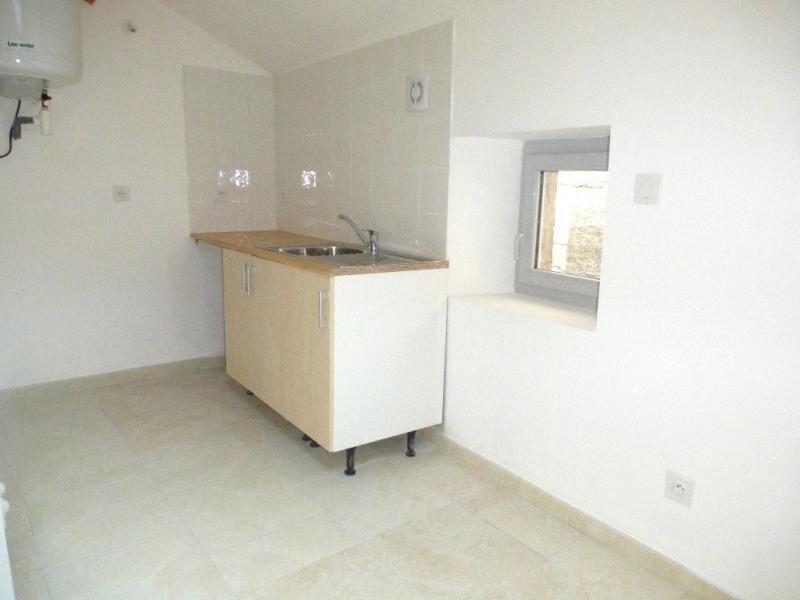 Location appartement Saint-germain 343€ CC - Photo 2