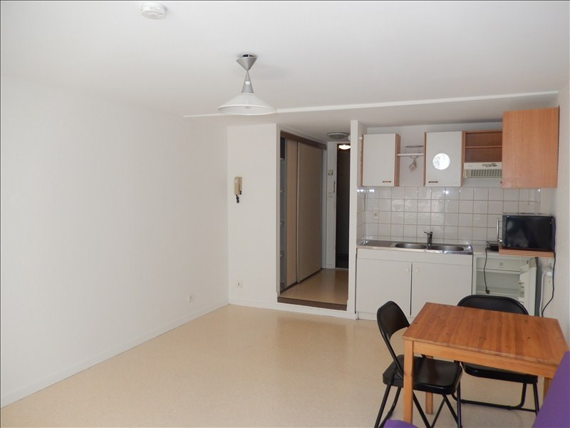Rental apartment Le puy en velay 291,79€ CC - Picture 2