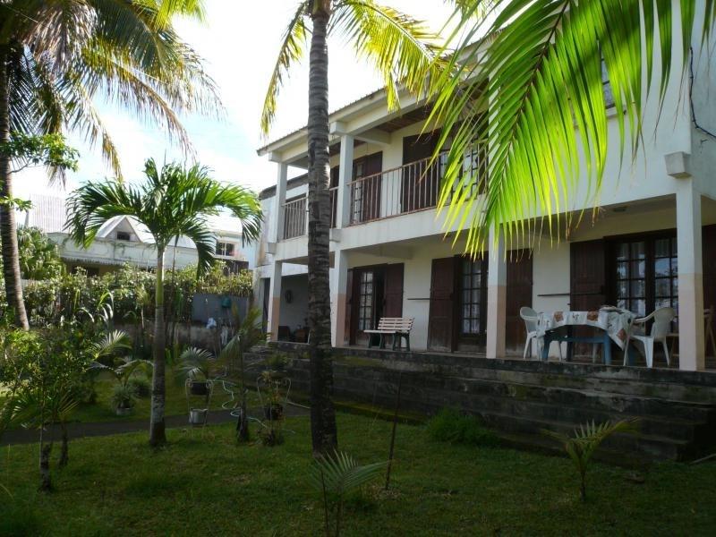 Sale house / villa La saline 295000€ - Picture 2