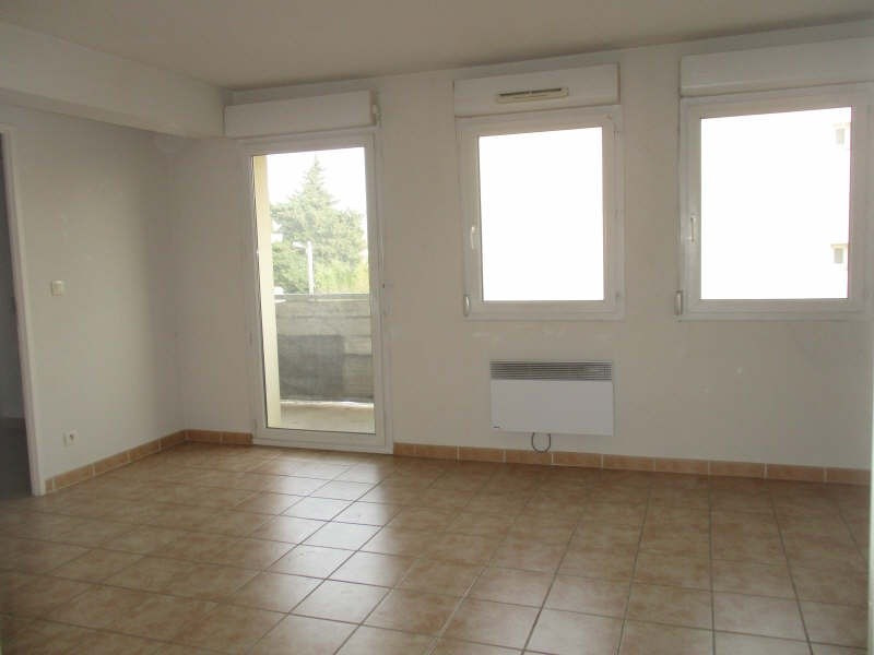 Location appartement Nimes 564€ CC - Photo 2