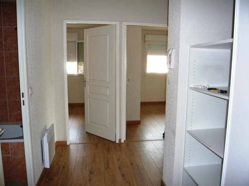 Rental apartment Lons 658€ CC - Picture 3
