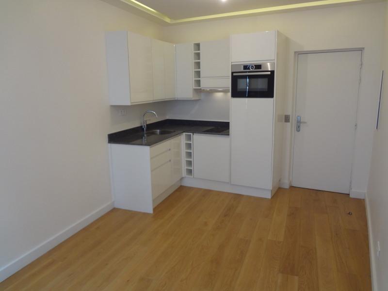 Sale apartment Paris 7ème 520000€ - Picture 2