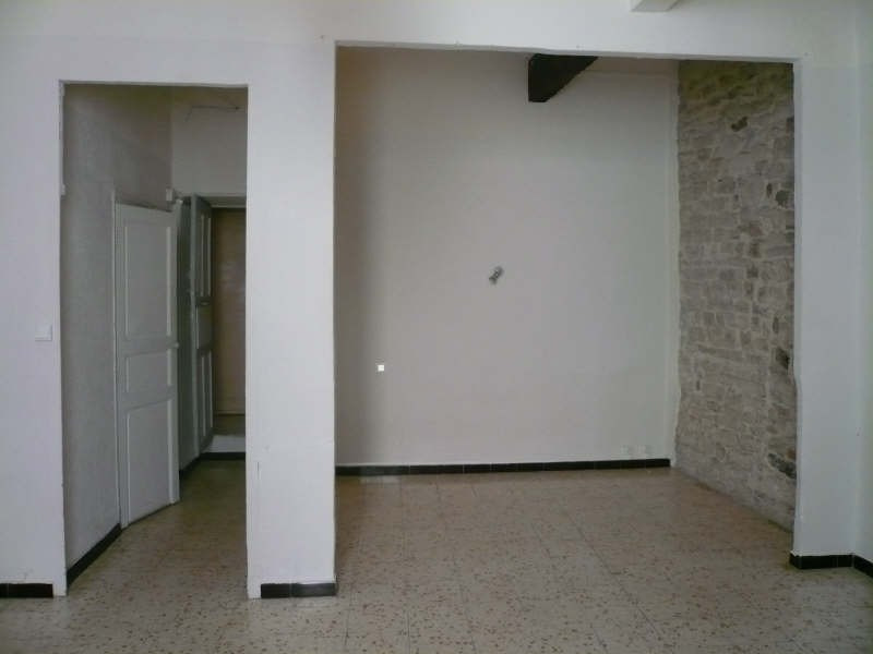 Rental apartment Nimes 385€ CC - Picture 3