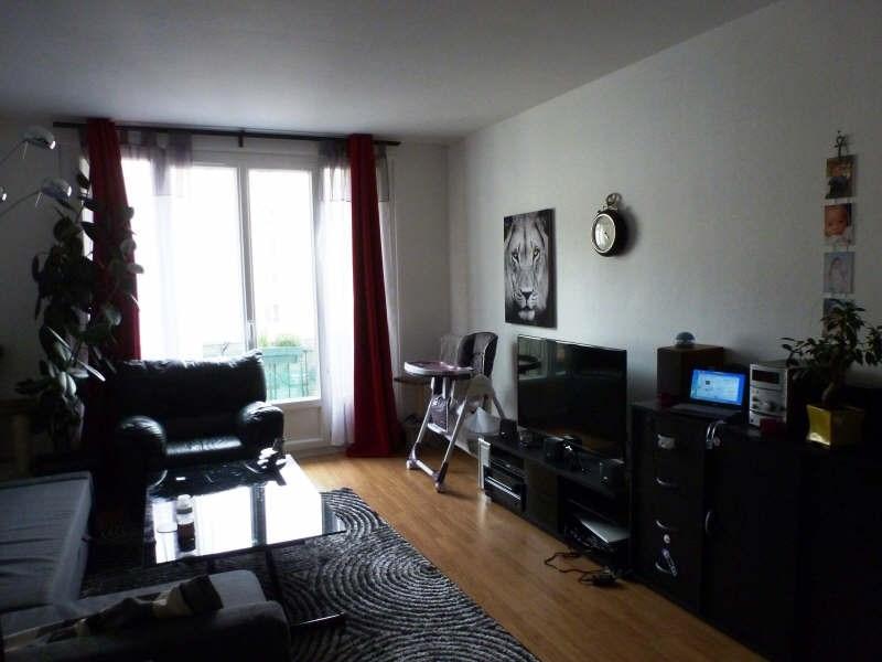 Rental apartment Maurepas 752€ CC - Picture 2