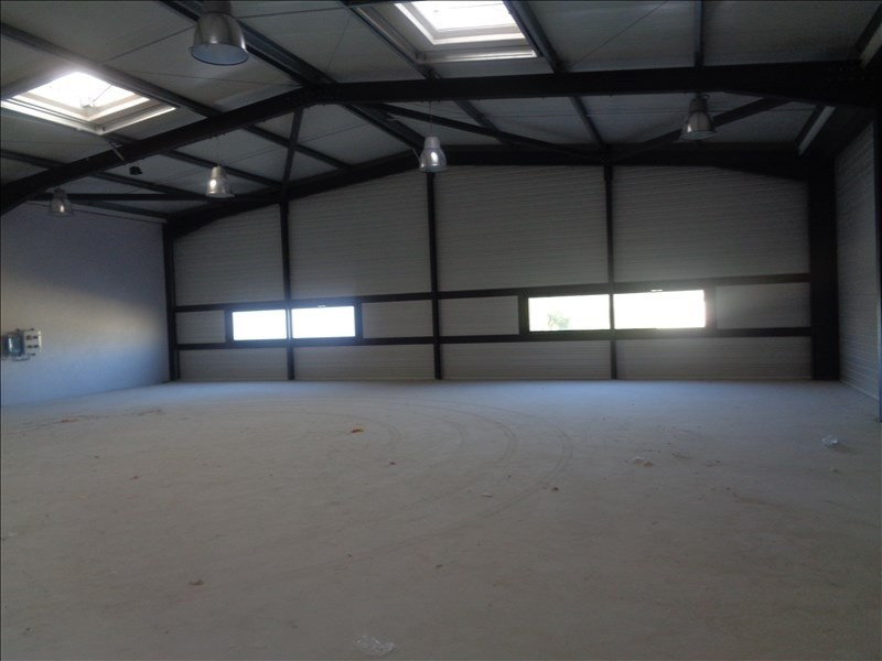 Location local commercial Hyeres 2304€ +CH/ HT - Photo 2