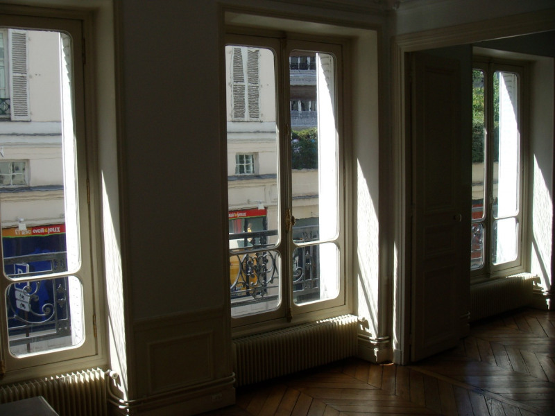 Location appartement Paris 6ème 2 410€ CC - Photo 2