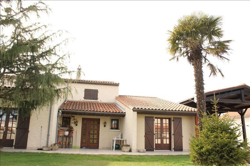 Sale house / villa St vivien 363992€ - Picture 1