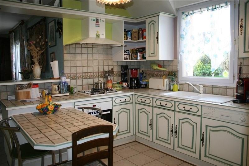 Sale house / villa Josselin 189000€ - Picture 4