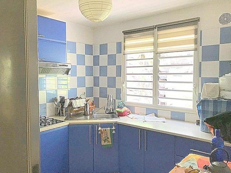 Venta  apartamento St gilles les bains 246750€ - Fotografía 3