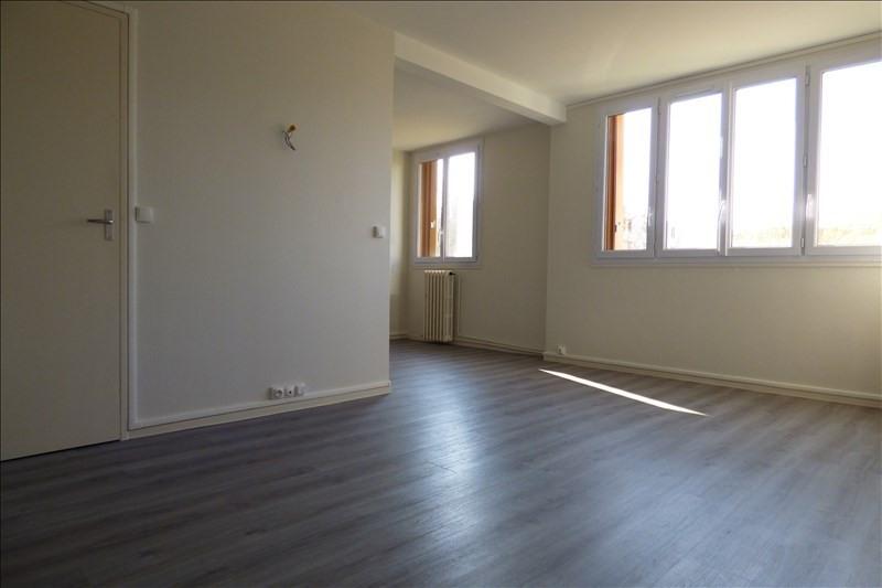 Rental apartment Avon 750€ CC - Picture 1