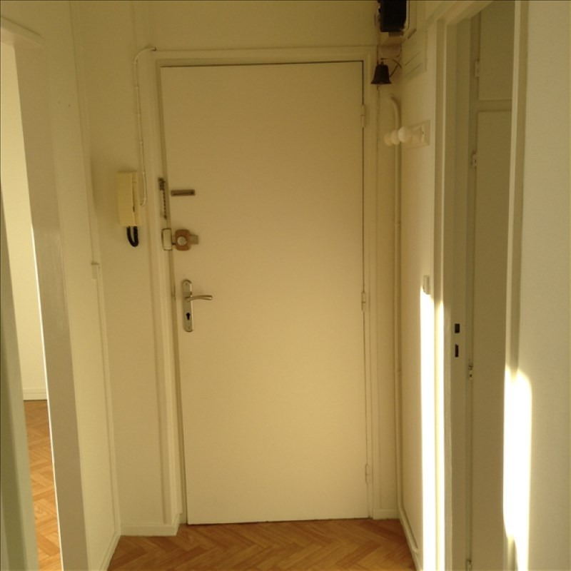 Rental apartment St quentin 585€ CC - Picture 4