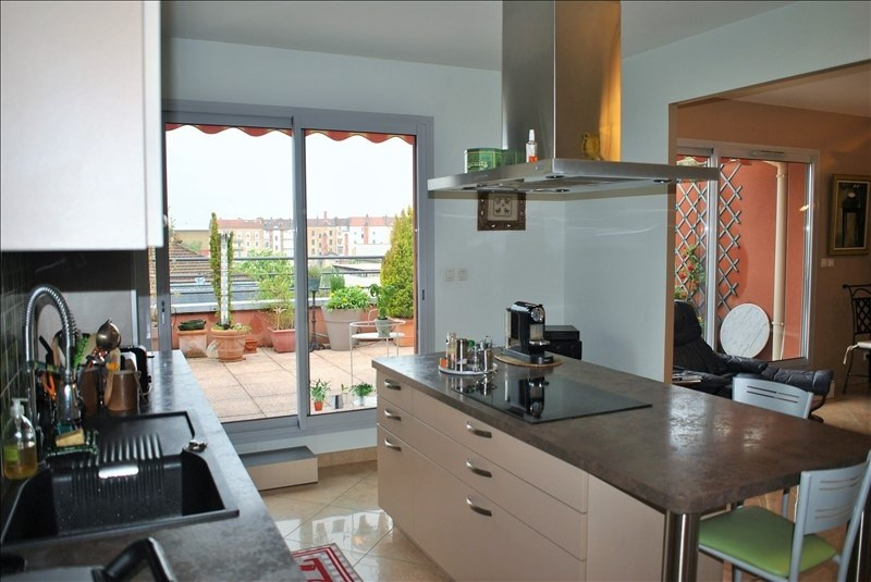 Deluxe sale apartment Roanne 385 000€ - Picture 3