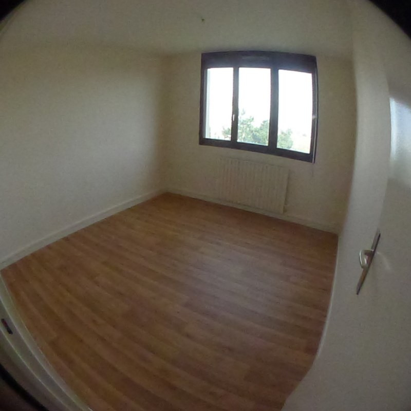 Rental apartment Saint genis laval 160 160 160 764€ CC - Picture 3