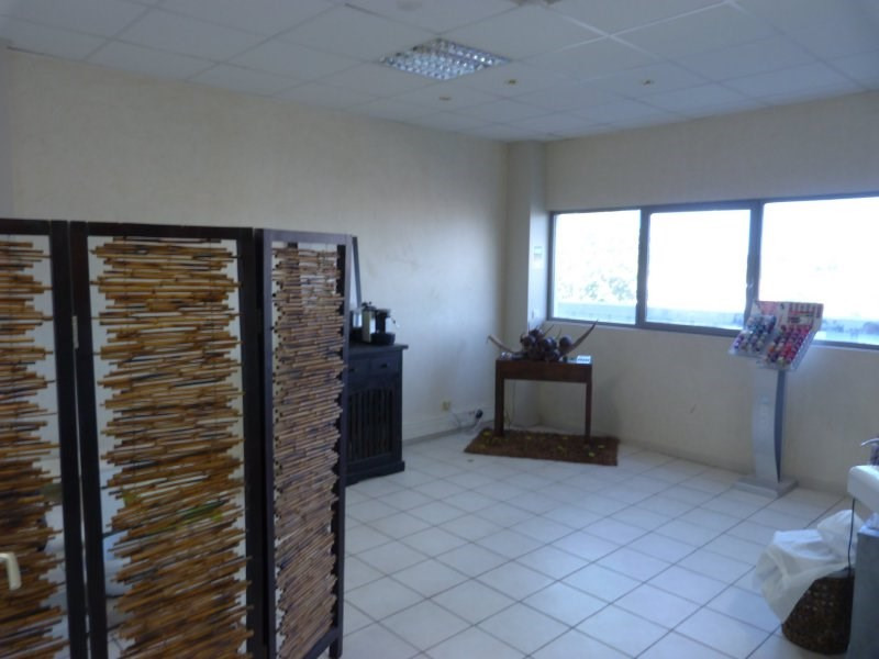 Sale empty room/storage Baie mahault 98000€ - Picture 4