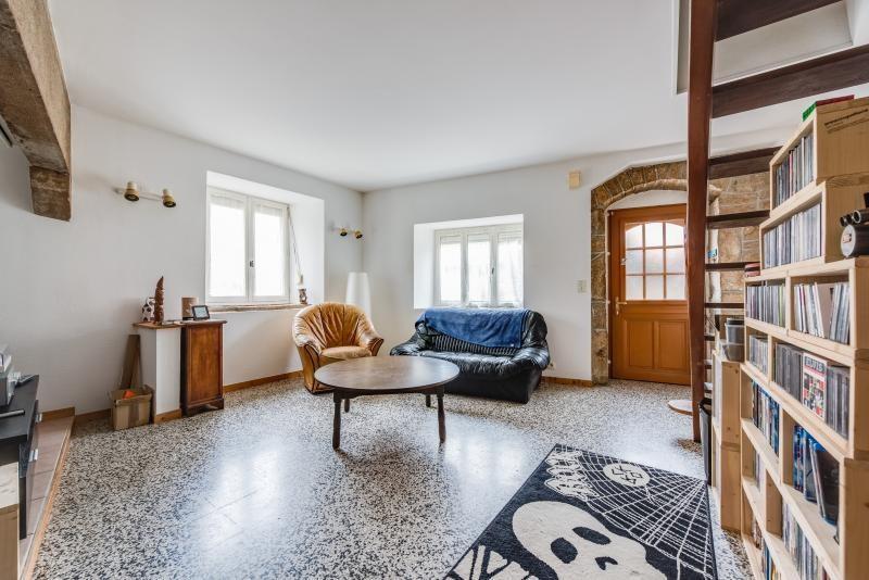 Sale apartment Montfaucon 92000€ - Picture 1