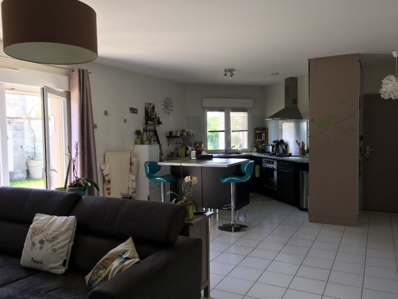 Sale house / villa Le passage 197 000€ - Picture 2