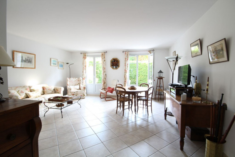Sale apartment Chambourcy 446000€ - Picture 2