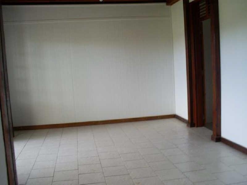Rental apartment Ste rose 750€ CC - Picture 3