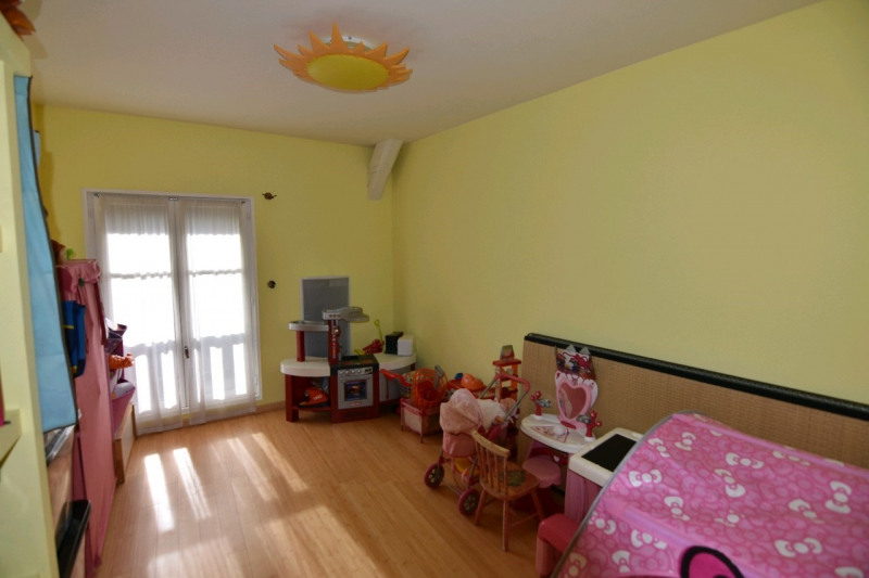 Sale house / villa Neuilly en thelle 285000€ - Picture 6