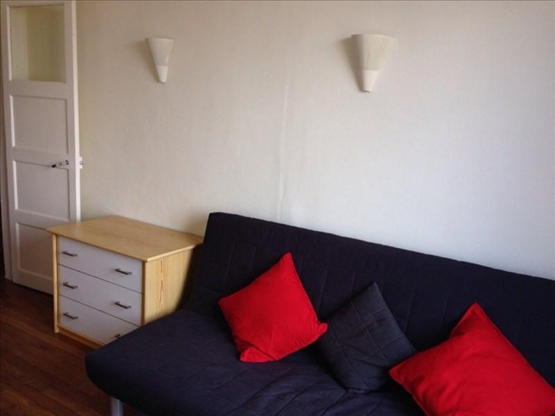 Rental apartment Clichy 870€ CC - Picture 2