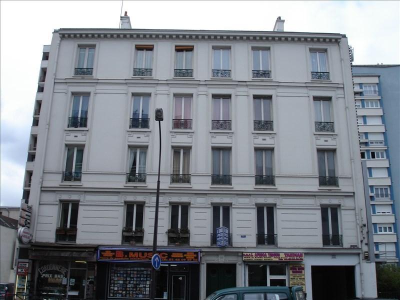 Location appartement Paris 18ème 1230€ CC - Photo 1