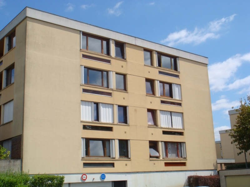 Rental apartment Andresy 938€ CC - Picture 3