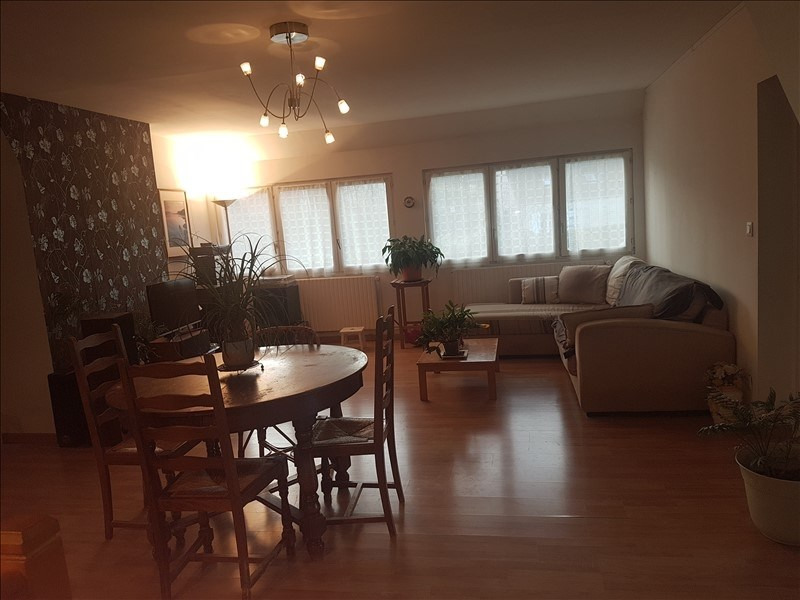 Sale apartment Le val st germain 240000€ - Picture 1