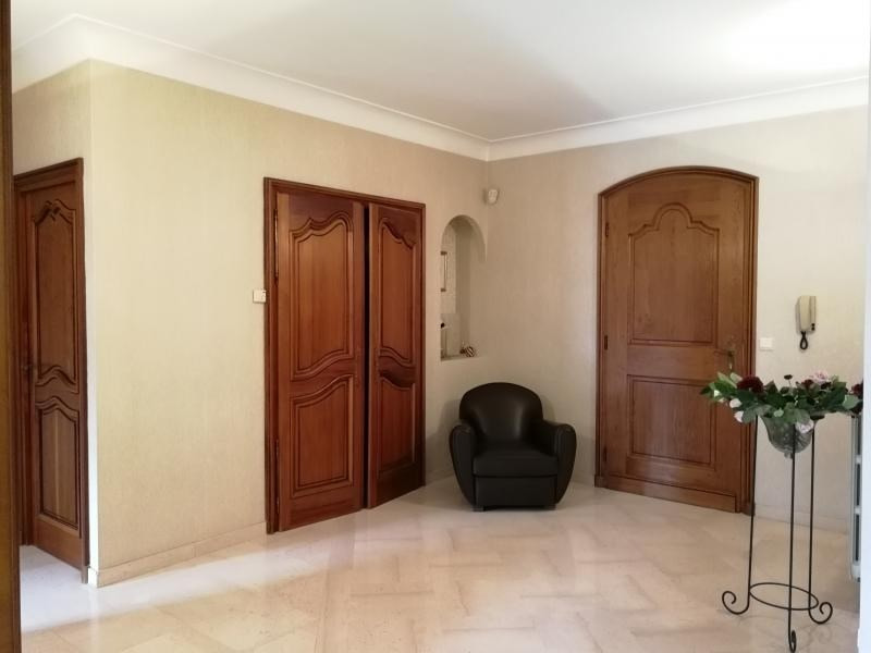 Deluxe sale house / villa Buc 1 290 000€ - Picture 2