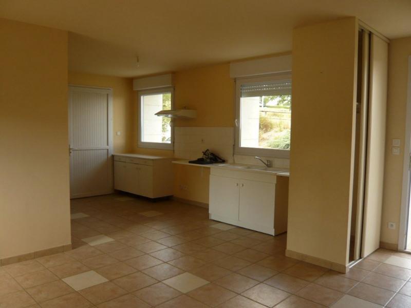 Location maison / villa Saint berthevin 726€ CC - Photo 1
