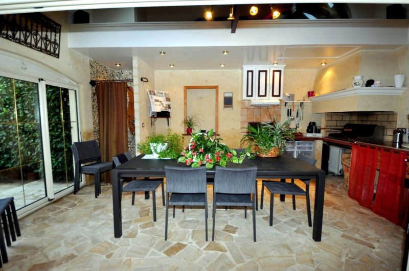 Sale house / villa Le val st germain 695000€ - Picture 3