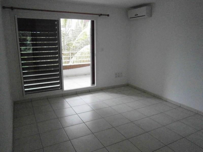 Location appartement St denis 347€ CC - Photo 1