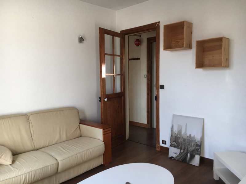 Location appartement Paris 18ème 920€ CC - Photo 1